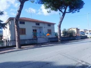 Photo - Single family villa via Roma 272, Martinsicuro