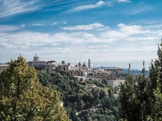 Foto - Attico da ristrutturare, 240 mq, Colli, Bergamo