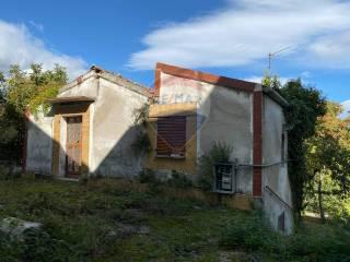 Foto - Terratetto unifamiliare 58 mq, da ristrutturare, San Valentino in Abruzzo Citeriore