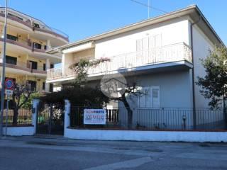 Foto - Terratetto unifamiliare via mincio 18, Lungomare Marconi, Alba Adriatica