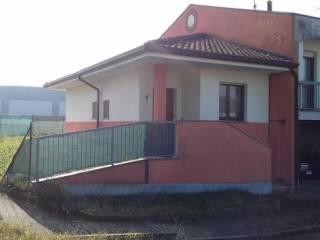 Foto - Villa a schiera via A  Bourne 11, Oleggio