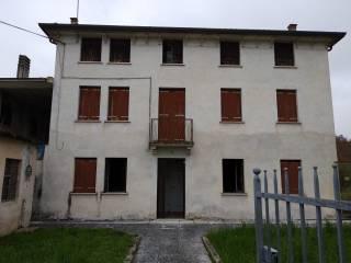 Foto - Rustico, da ristrutturare, 110 mq, Zugliano