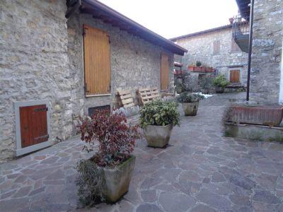 foto Appartamento Affitto Adrara San Martino