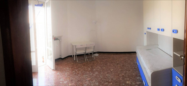 foto  Trilocale buono stato, quinto piano, Genova