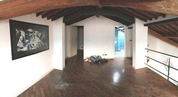 foto salotto Bilocale buono stato, Lucca