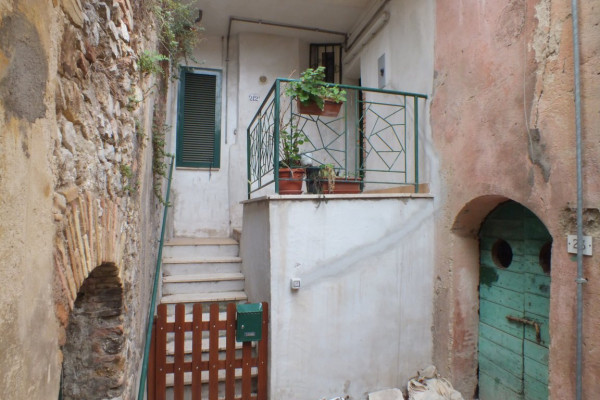 foto  Appartamento via Giuseppe Garibaldi, Poggio Catino