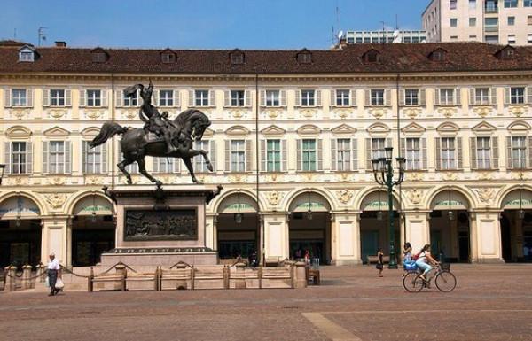 Affitto appartamento torino bilocale in piazza san carlo for Affitto torino privati arredato
