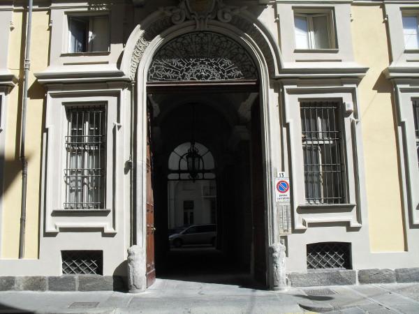 Affitto appartamento torino monolocale in via cavour 13 for Appartamento design torino affitto
