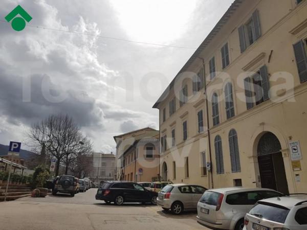 foto  Monolocale via lucarini, 1, Trevi