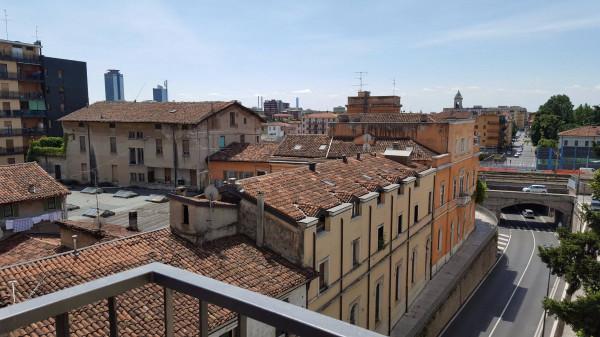 foto  Trilocale via Fratelli Folonari, Brescia
