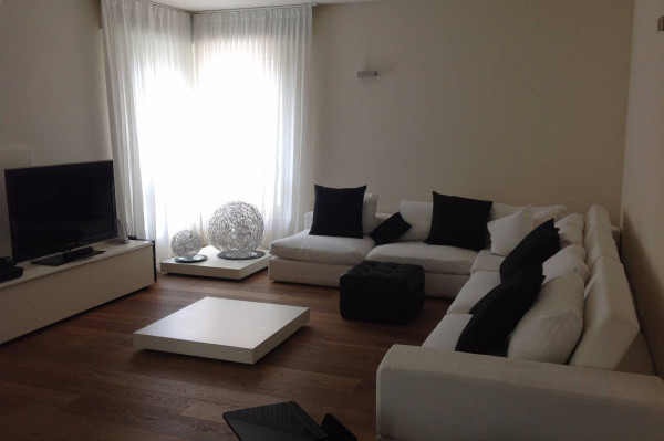 foto SOGGIORNO Appartamento via Rocca d'Anfo 36, Brescia