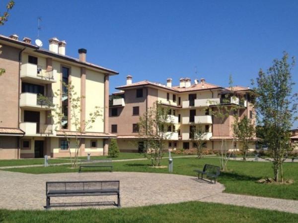 foto  Trilocale via Donizetti, Casarile
