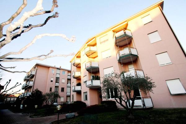 foto  Trilocale via Giuseppe Grilloni 34, Como