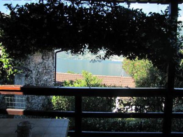 foto Vista Lago Trilocale via Santa Maria 1, Dervio