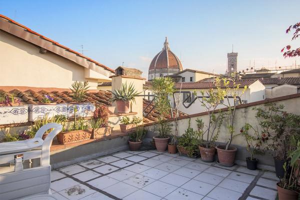 Vendita Appartamento in piazza di San.... Firenze. Da ristrutturare ...