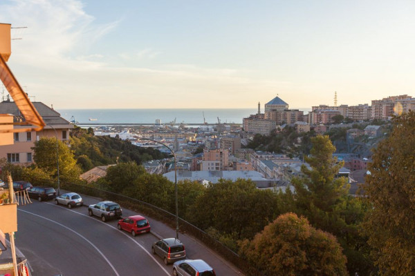 foto VISTA Bilocale via Bologna, Genova