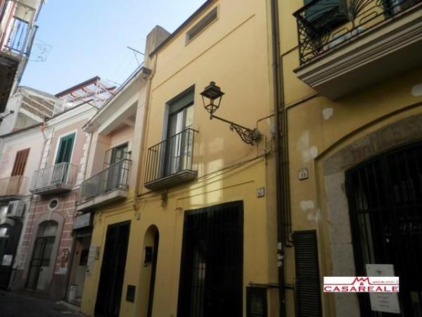 Vendita Appartamento in via Orefici. Mercato San Severino. Buono ...