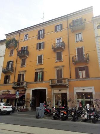 Vendita Appartamento Milano. Trilocale in via Vigevano. Buono stato ...