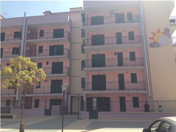 Vendita appartamento napoli trilocale in via bernardo for Doppi infissi esterni