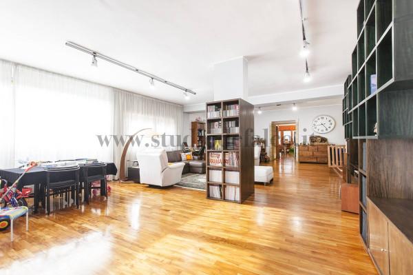 Vendita appartamento in via domenico fontana napoli - Altezza alberi giardino privato condominio ...