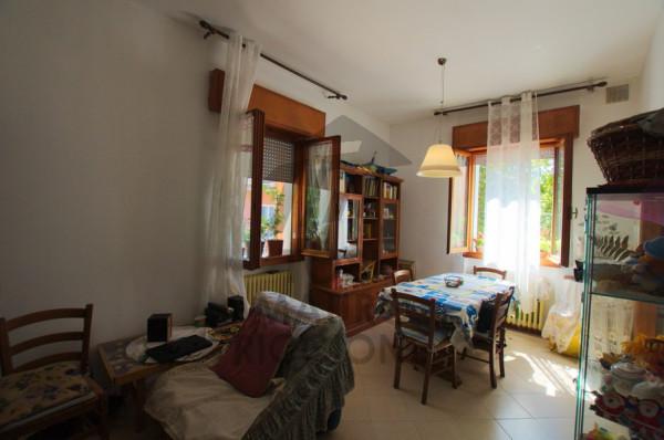 Vendita Appartamento Rimini. Trilocale in via Augusto Righi 9. Buono ...