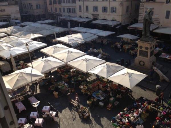 foto  Bilocale piazza Campo Dè Fiori, Roma