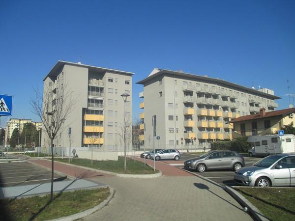 Vendita appartamento san donato milanese trilocale in via for Case in vendita san donato milanese