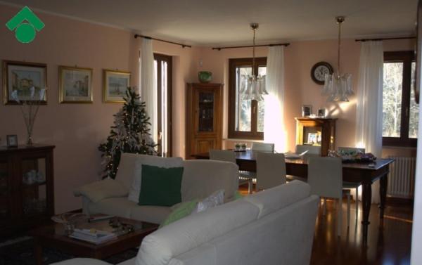 Vendita Appartamento in via Bosco. Verona. Posto auto, riscaldamento ...