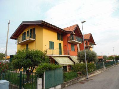foto Appartamento Vendita Villa d'Almè