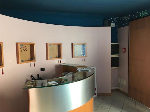 foto  Estetica / Solarium in Affitto a Adria