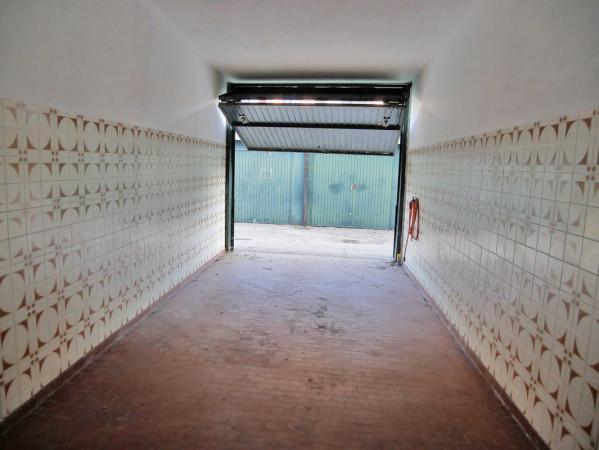 foto  Box / Garage via Varesina, Como