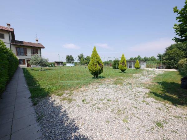 foto GIARDINO Casa indipendente via Roma 1, Comezzano-Cizzago