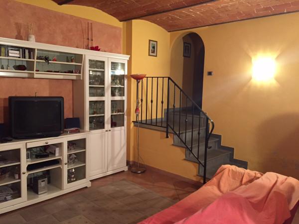 foto  Casa indipendente via per Iolo, Prato