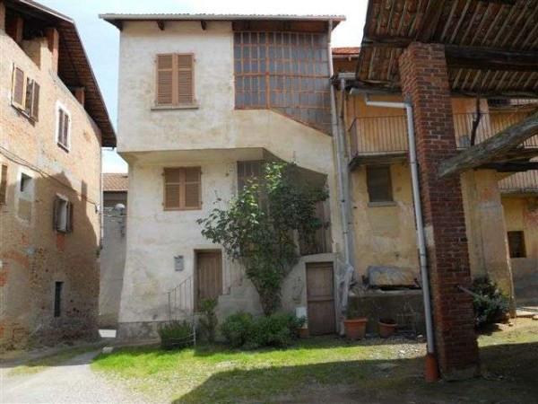 Vendita casa indipendente in vittorio veneto 59 roasio da for Casa con 2 camere da letto con seminterrato finito in affitto