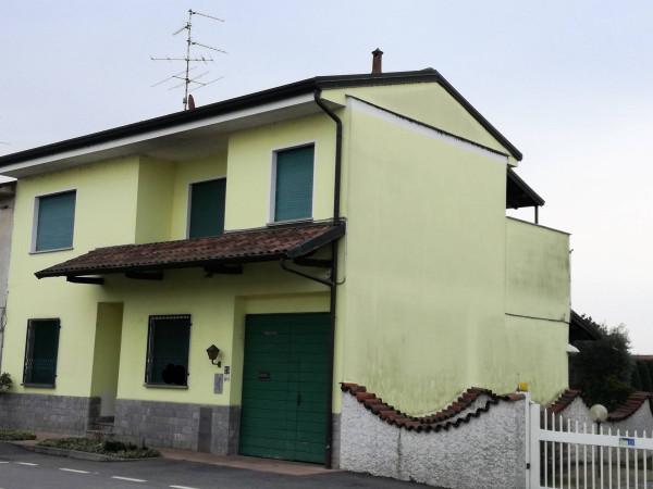 foto Immobile Casa indipendente via Novara 50, Robecchetto con Induno