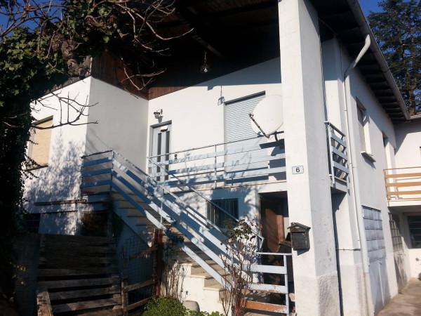 Vendita casa indipendente ronago da ristrutturare posto for Casa indipendente da ristrutturare
