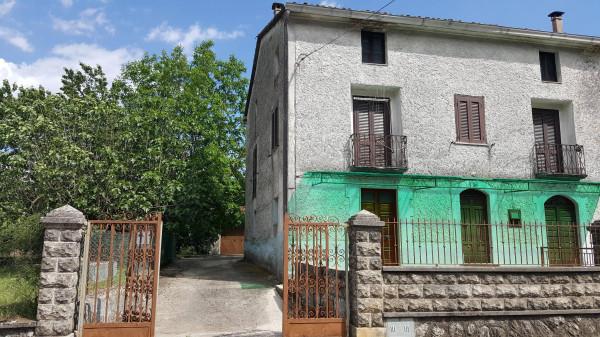 foto  Casa indipendente 233 mq, buono stato, Supino