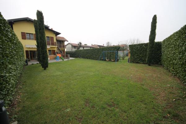 foto  Casa indipendente via Vincenzo Amato, Treviolo