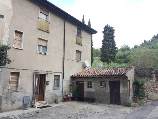 foto  Casa indipendente via San Martino, Verona