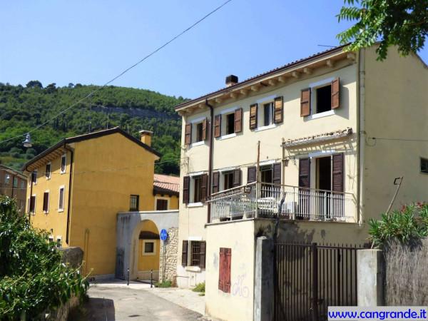 foto Edificio Casa indipendente 280 mq, da ristrutturare, Verona
