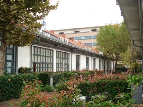 Vendita loft open space in via cosenz milano ottimo for Garage con piani loft gratuito