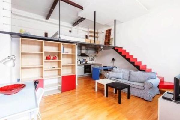 Vendita loft open space in viale lombardia milano for Garage con piani loft gratuito