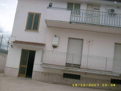 foto Palazzo / Stabile Affitto Casagiove