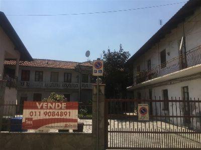 foto Palazzo / Stabile Vendita Bruino