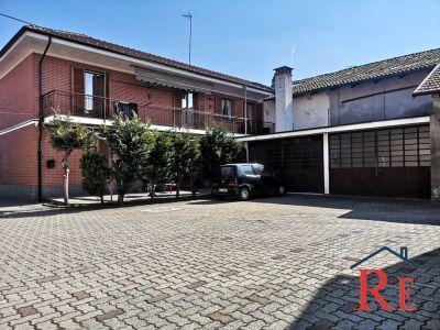 foto Palazzo / Stabile Vendita Casalgrasso
