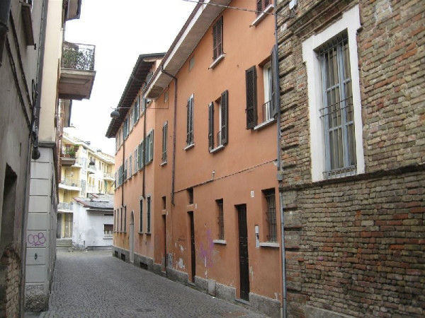 foto ESTERNO Palazzo / Stabile via CIVERCHI, 50, Crema