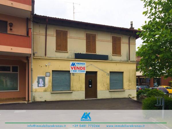 foto  Palazzo / Stabile piazza Roma 8, Fogliano Redipuglia