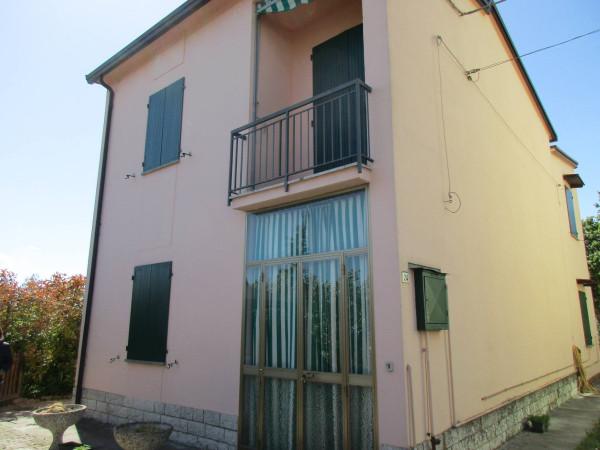 foto  Palazzo / Stabile due piani, buono stato, Lugo