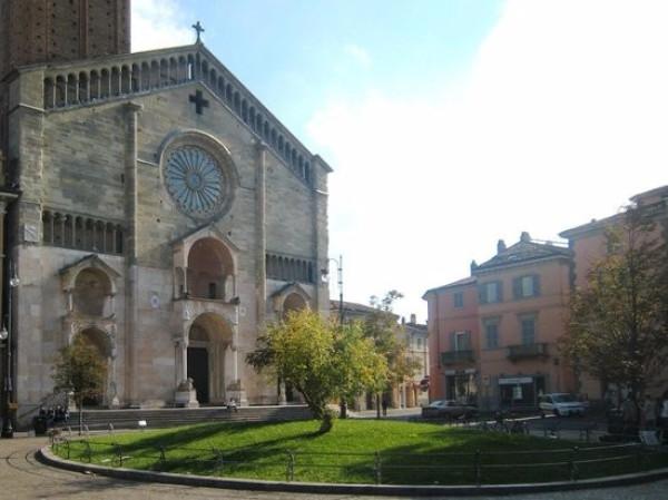 foto  Palazzo / Stabile 380 mq, Piacenza