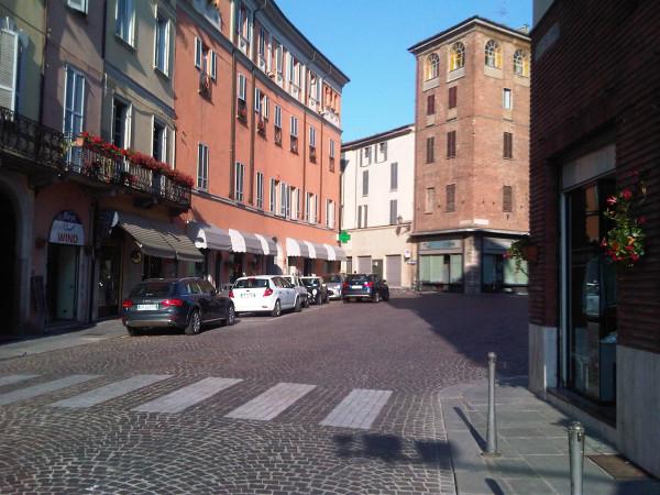 foto piazza borgo Palazzo / Stabile piazza del Borgo, Piacenza